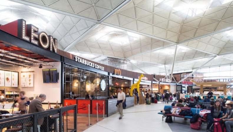 фудкорт аэропорта Станстед