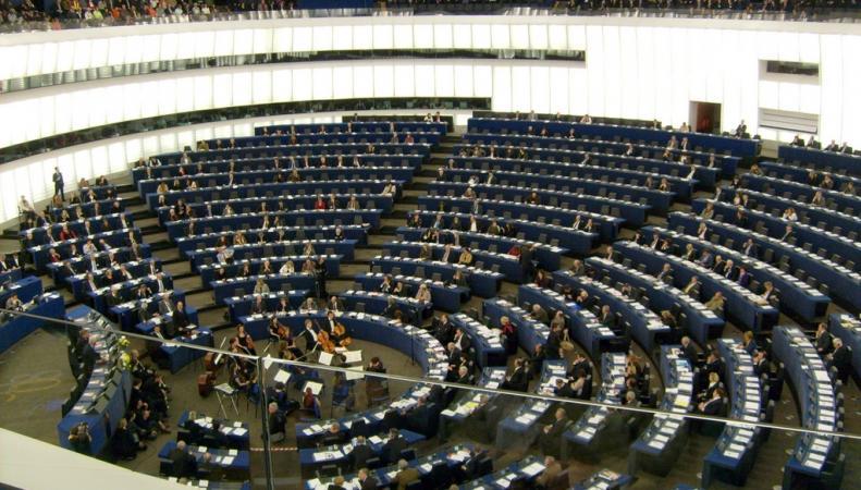 Дипломата из Великобритании наказали за научную работу о пользе выхода из ЕС