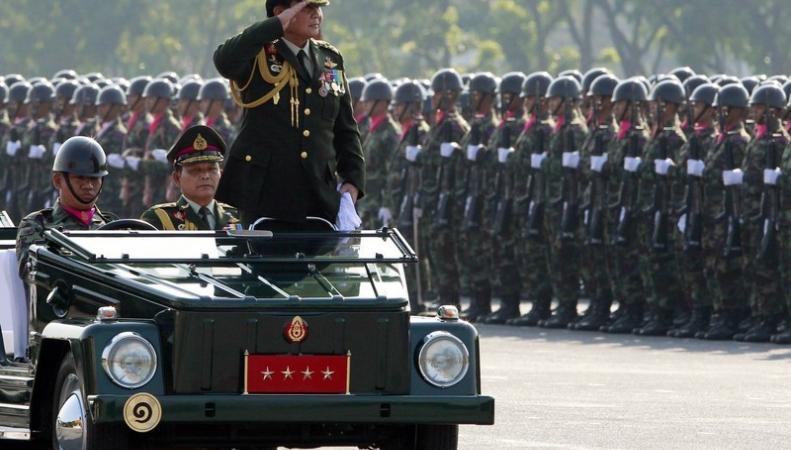 В Таиланде войска объявили военный переворот