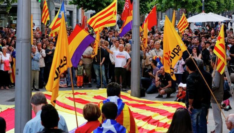 В Испании жители требуют проведения референдума