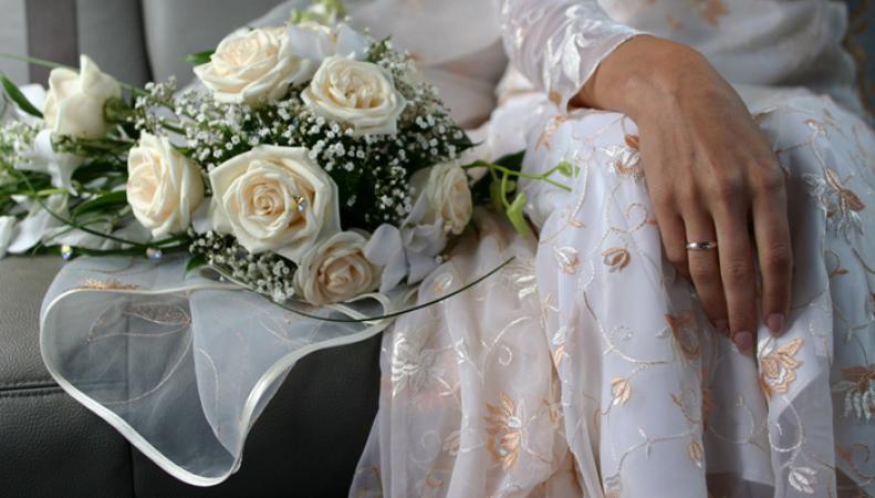 В Британии стало уголовно наказуемым принуждение к вступлению в брак
