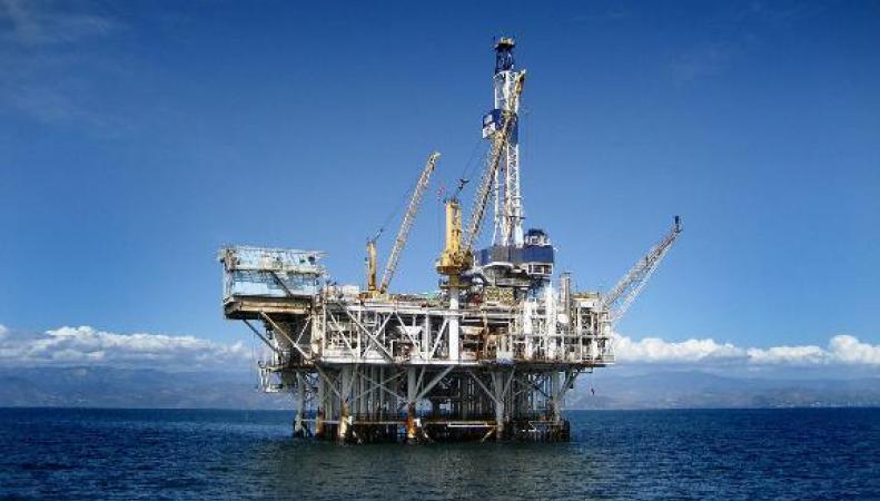 Китай установит в спорном Южно-Китайском море новую нефтяную платформу