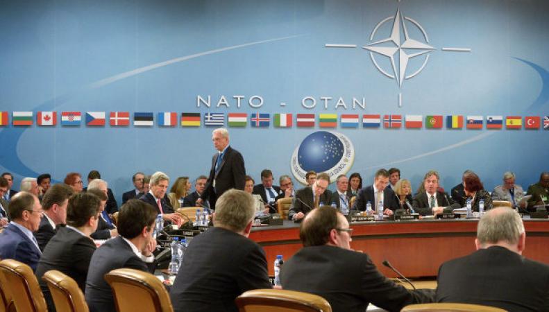 НАТО опровергает обвинения в том, что альянс не способен защитить Прибалтику
