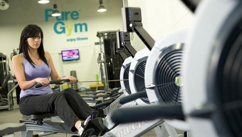 Зал Pure Gym