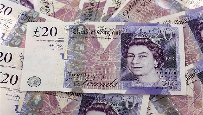 Великобритания выпустит пластиковые банкноты