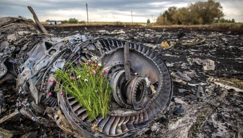 Боинг 777 под Донецком