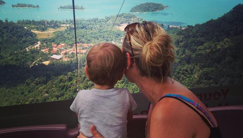 Ребёнок-турист из Британии в 17 месяцев уже объездил весь мир
