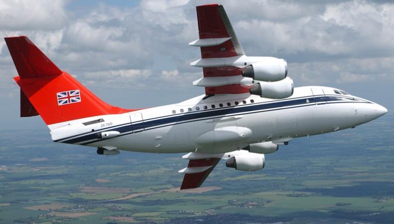 """Британские ученые разработали """"ранозаживляющий материал"""" для самолетов"""