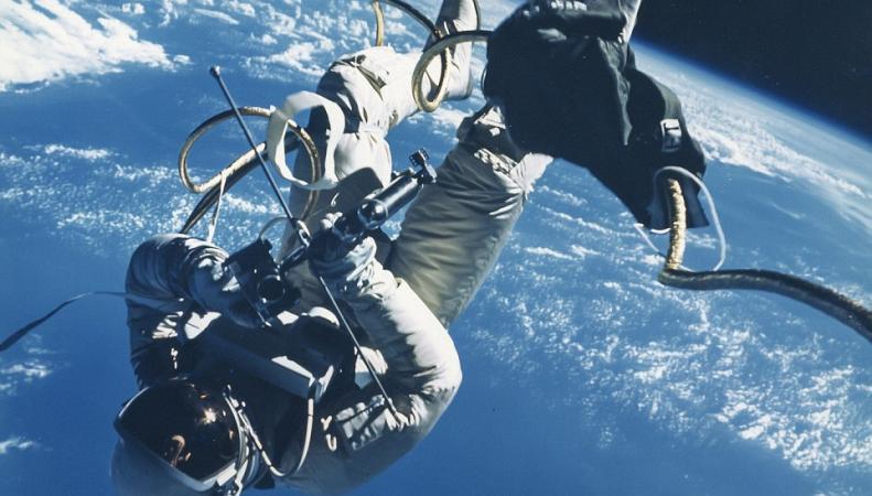 Аукцион фотографий NASA
