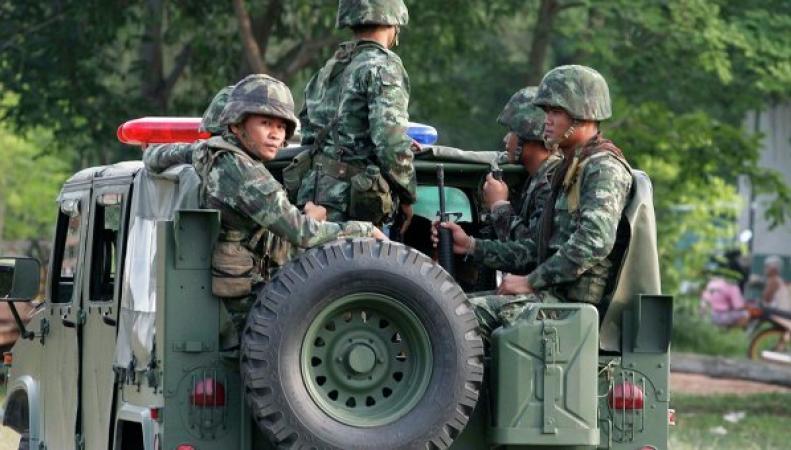 Таиланд: военное положение установлено в стране
