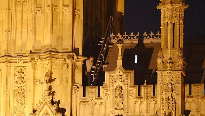 Нарушитель на крыше Вестминстерского дворца