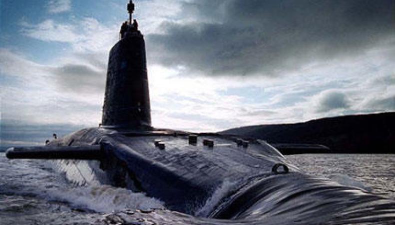 Подводная лодка на базе в Клайде