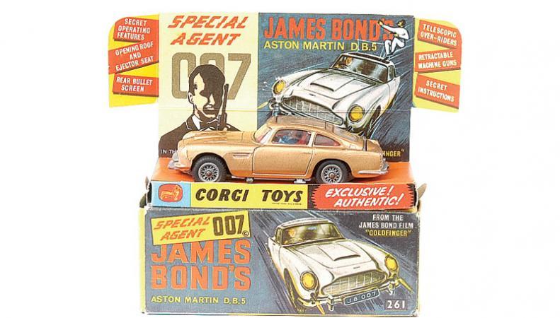Corgi модель машины Джеймса Бонда
