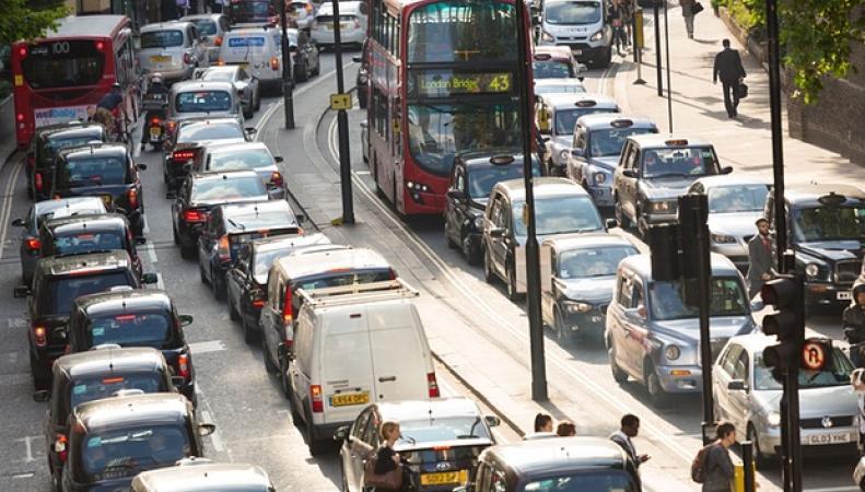затор на улице Лондона