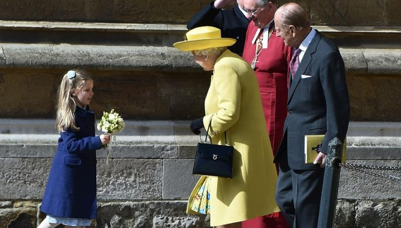королева на пасхальной службе
