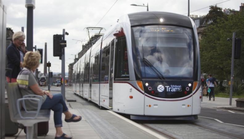 общественный транспорт в Эдинбурге