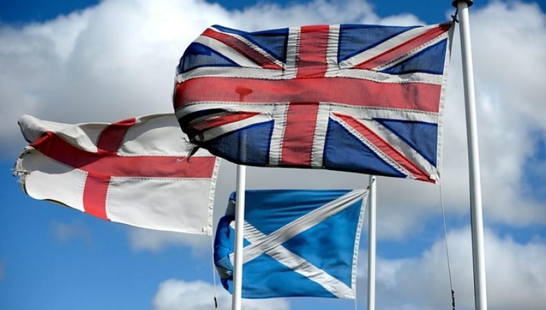 флаги Англии и Шотландии