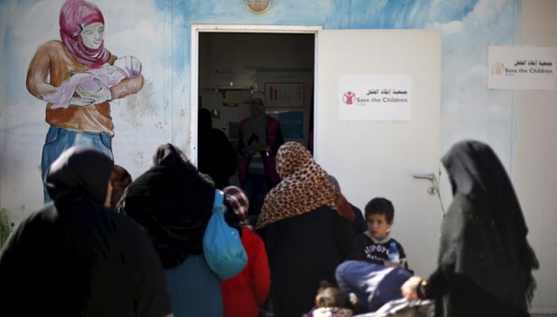 Сирийские беженцы в пункте временного пребывания