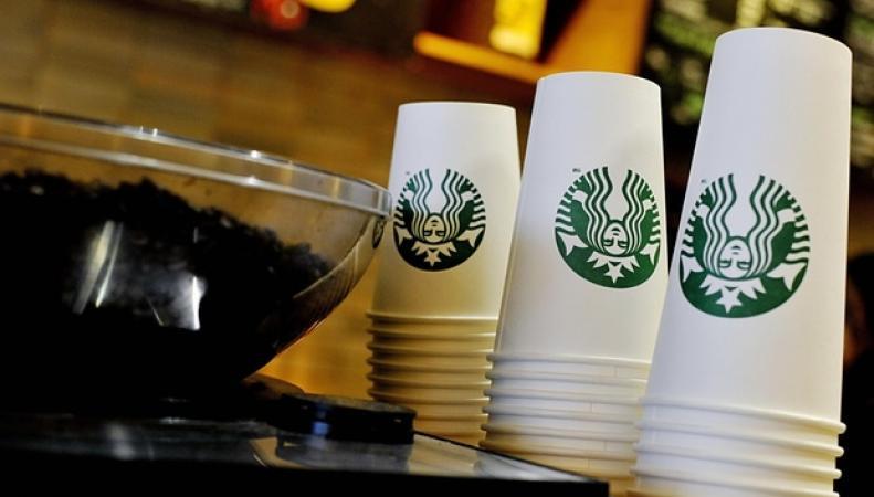 прилавок Starbucks