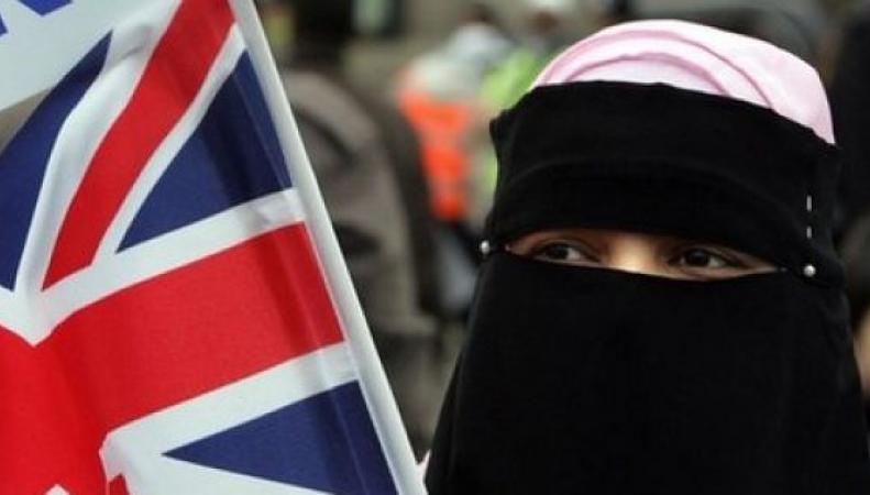 В Британии мусульман считают террористами
