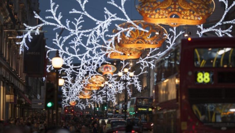 В Лондоне открыли рождественский сезон