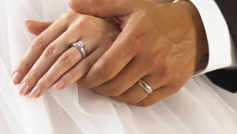 """Фиктивные браки в Британии стали настоящей """"индустрией обмана"""""""