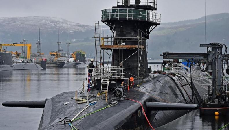 подводная лодка в Шотландии