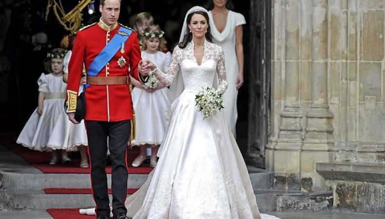 Торт со свадьбы принца Уильяма и Кейт Миддлтон выставлен на аукцион