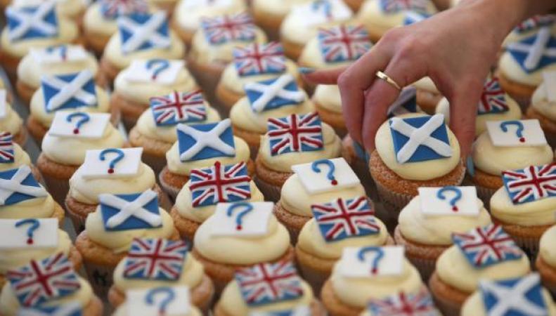капкейки с флагами Шотландии и Великобритании