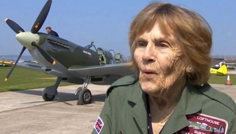 92-летняя ветеран ВВС снова села за штурвал истребителя