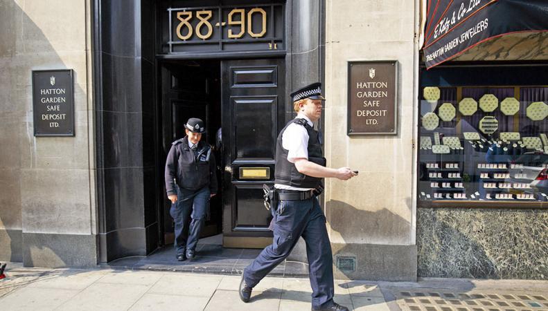 В Лондоне арестовали банду пенсионеров,