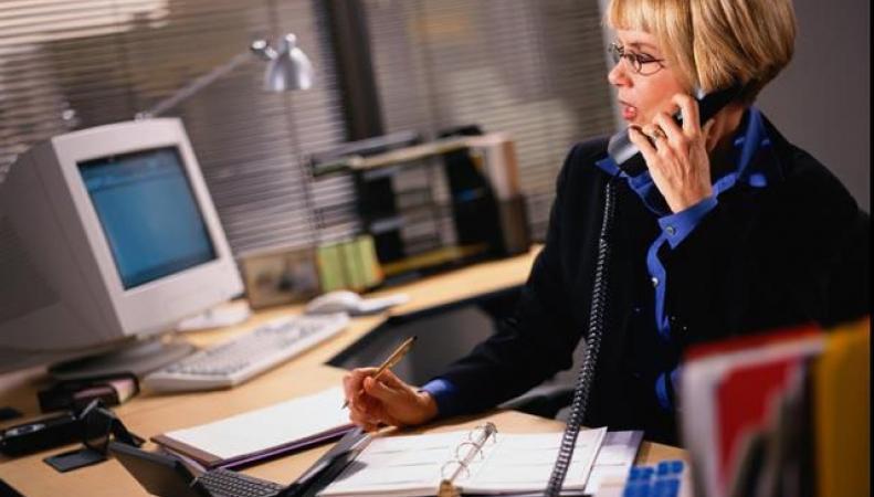 Ученые предупреждают, что офисным работникам нужно больше стоять