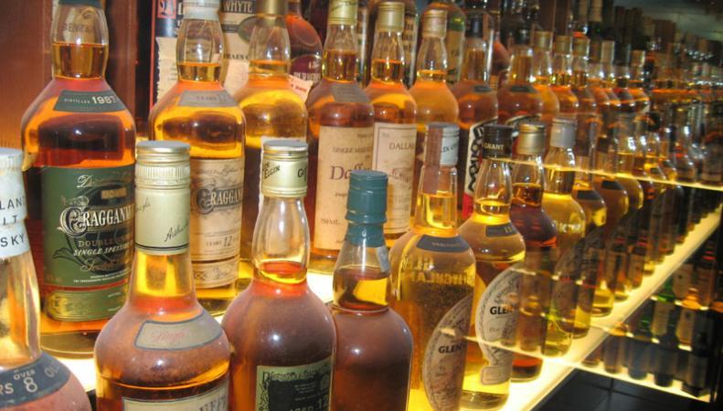 Великобритания замораживает акцизы на виски