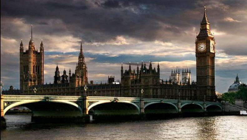Российские туристы резко сократили траты в Великобритании в феврале
