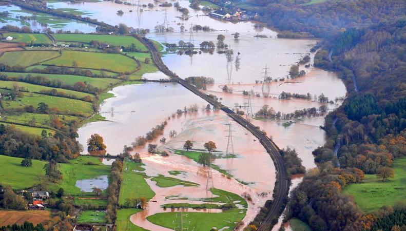 Наводнения стали причиной убытков британских предпринимателей