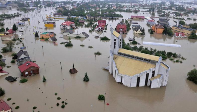 351 район Британии под угрозой наводнений