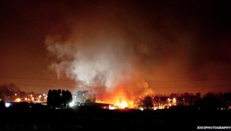 пожар на фабрике фейерверков