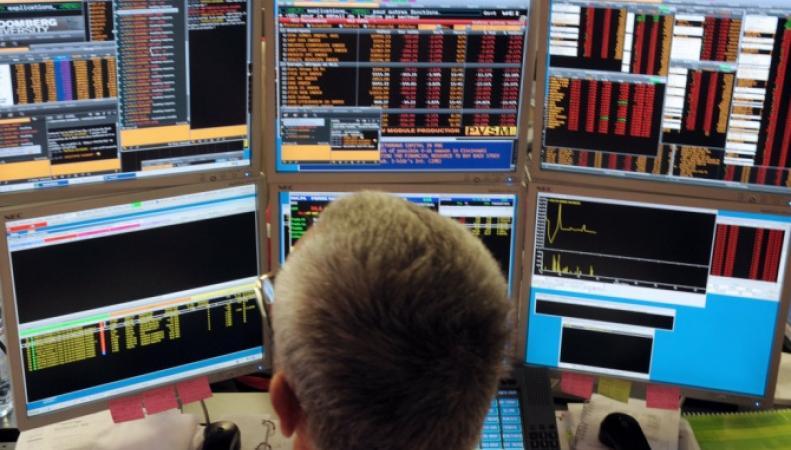 Биржи Европы закрылись снижением на статистике из Великобритании