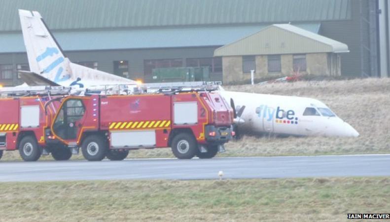 Saab 340 вне взлетной полосы