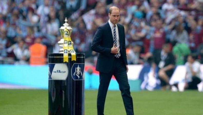 принц Уильям на стадионе Уэмбли