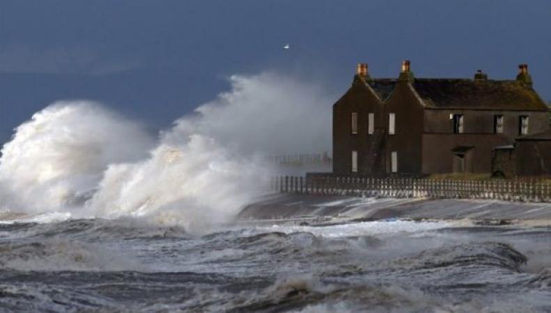 шторм в Великобритании