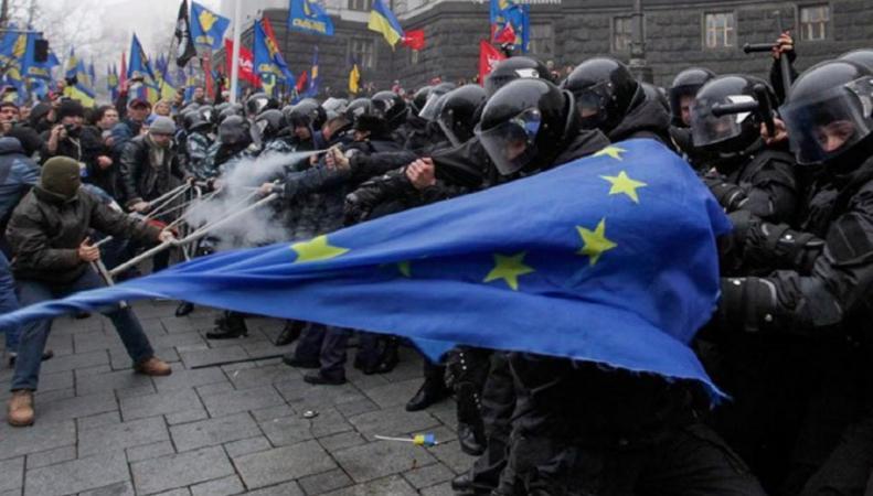 Евросоюз на Украине испачкал руки в крови