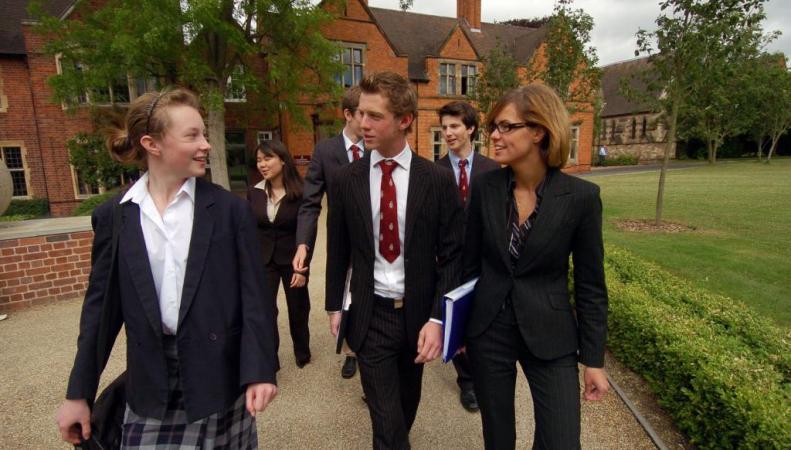 Британские студенты не смогут вернуть кредиты на образование