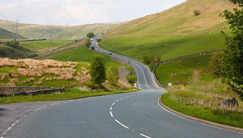 Загородное шоссе в графстве Камбрия