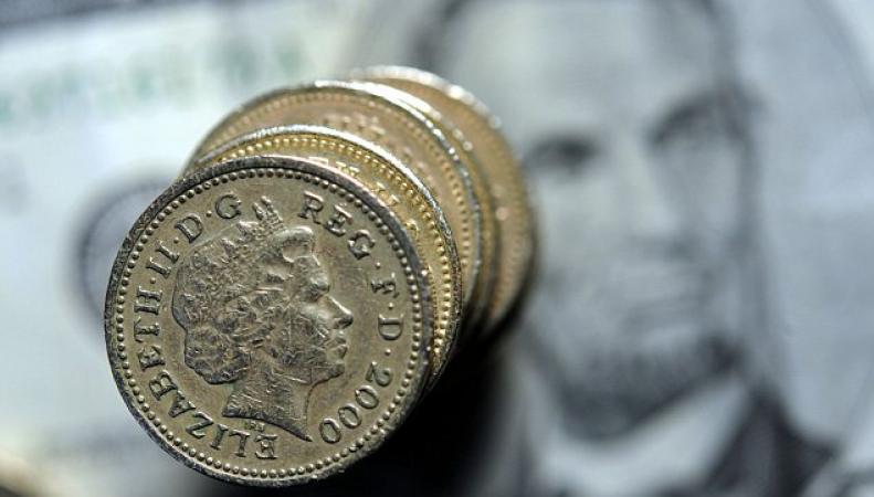 фунты стерлингов и доллары