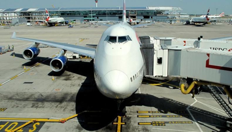 самолеты в Хитроу