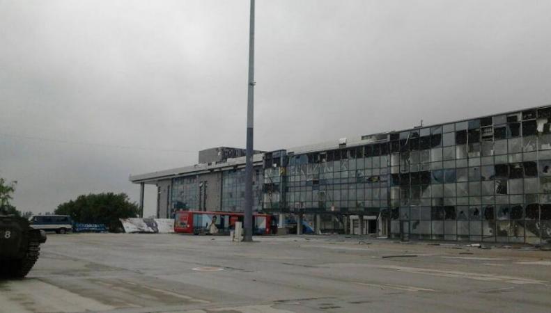Аэропорт Донецка окружен ополчением