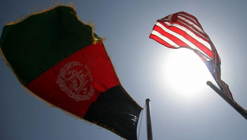 Флаги США и Афганистана