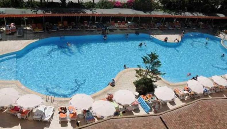 девочка из России захлебнулась водой в бассейне