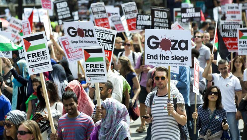 Лондон: марш против военных действий Израиля в отношении сектора Газа
